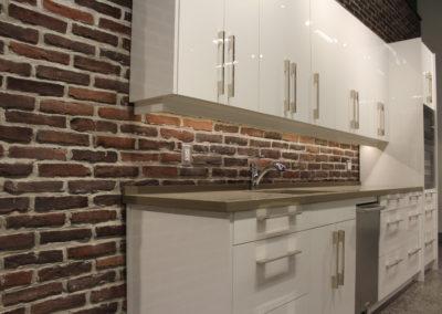HighGloss White Kitchen